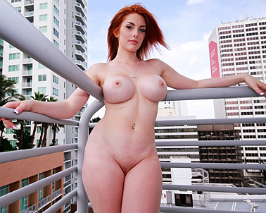 Rainia Belle in Do you think I'm pretty enough? - Curvy Cocking